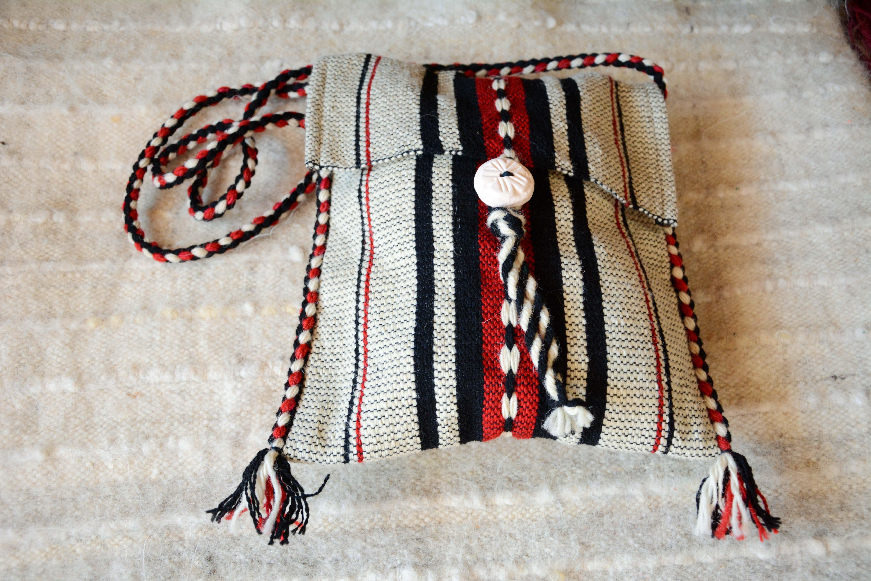 Вълнена торбичка T16002