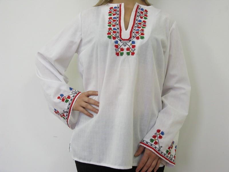 Дамска риза с бродерия TR10007